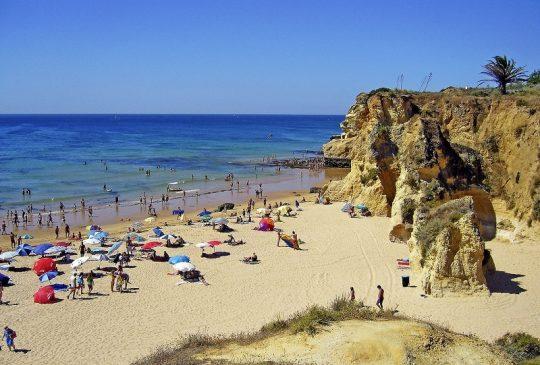 armacao-de-pera-beach