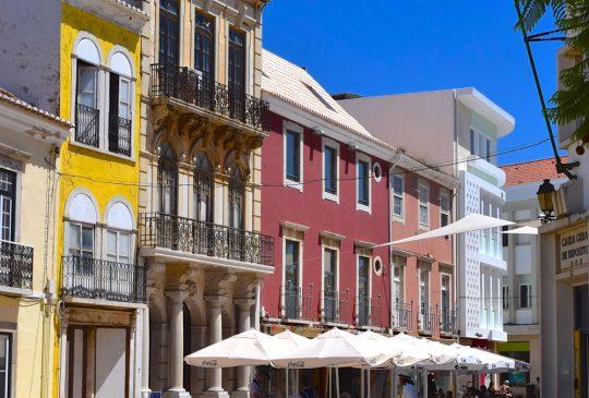 Entrance-shopping-old-centre-Faro-