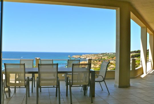 f-frontline-views-albufeira-gale