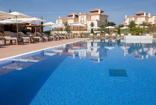 miradouro-clubhouse-pool