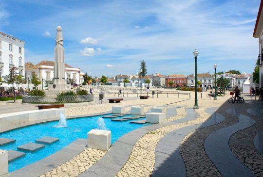 Tavira-square