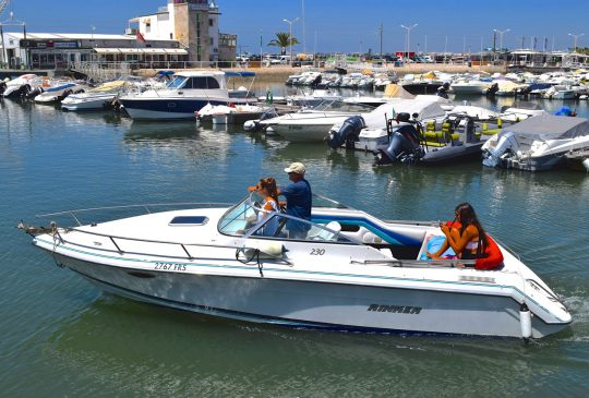 harbor-Faro-speedboat