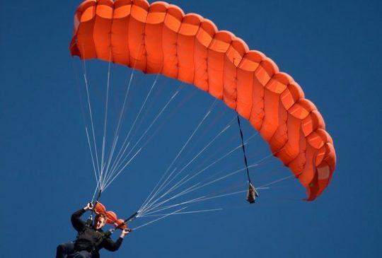 sky-diving-in-Loule