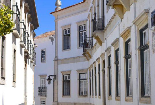 street-towards-old-centre-Faro